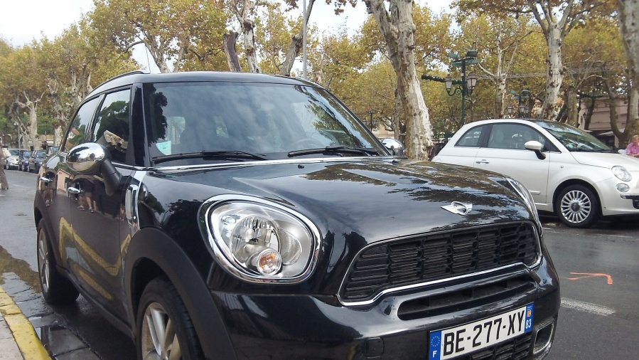 Big MINI in St. Tropez